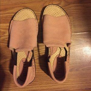 Born sandals, nwot